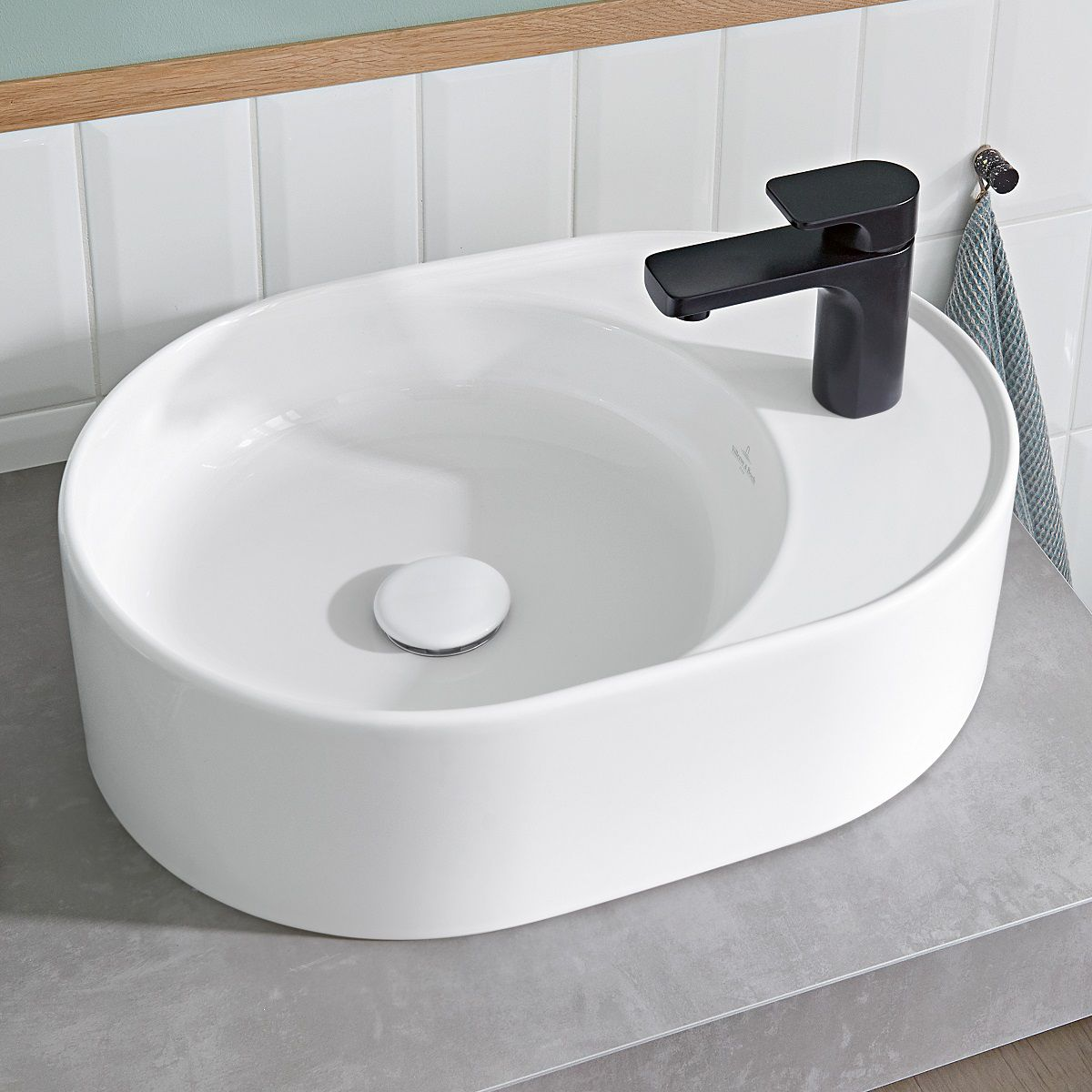 Villeroy & Boch Collaro Oval Countertop Basin with Tapledge